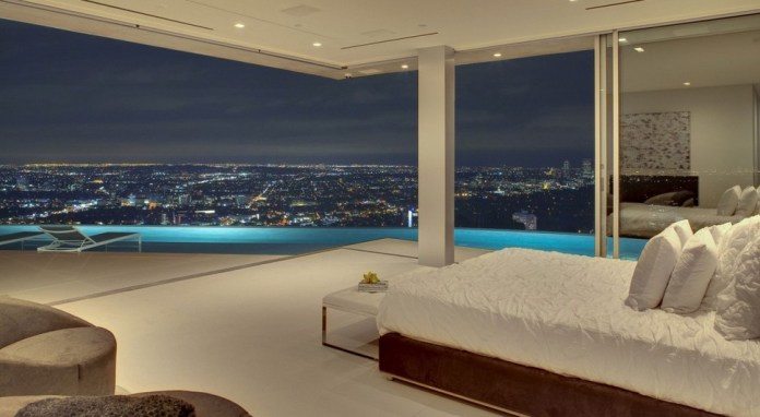 awesome-bedroom-with-a-view-22