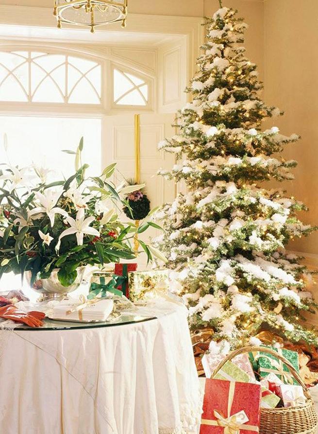 awesome-christmas-tree-decorating-ideas-11