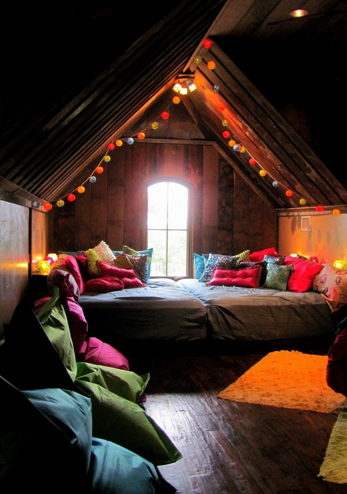 eclectic-kids-bedroom-christmas-decoration-ideas
