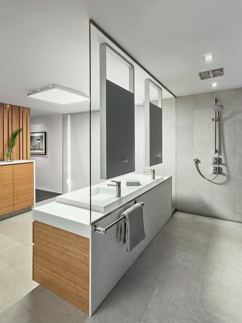 modern-spacious-bathroom-shower