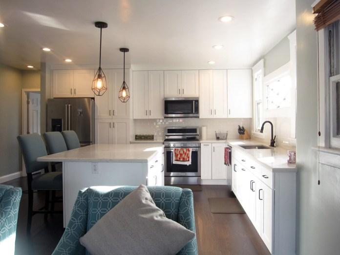 Beach Style L-Shaped Kitchen