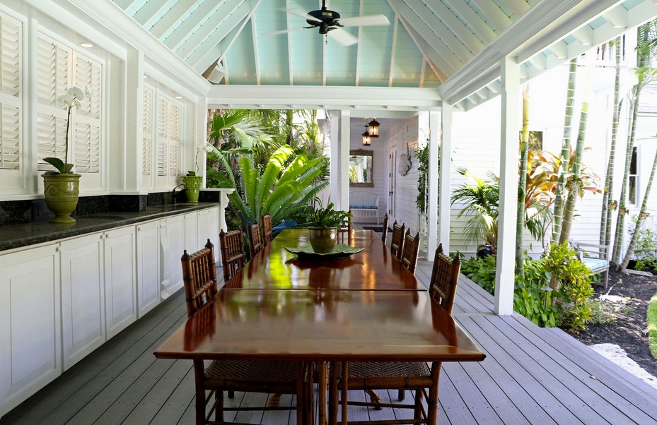 Tropical Porch Design With Outdoor Kitchen