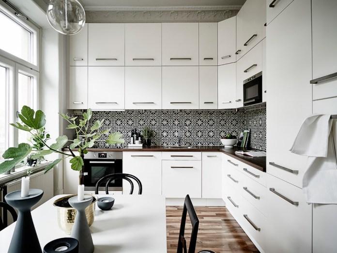 Victorian L-Shaped Kitchen
