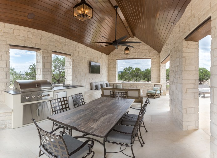 Farmhouse Outdoor Dine Barbeque