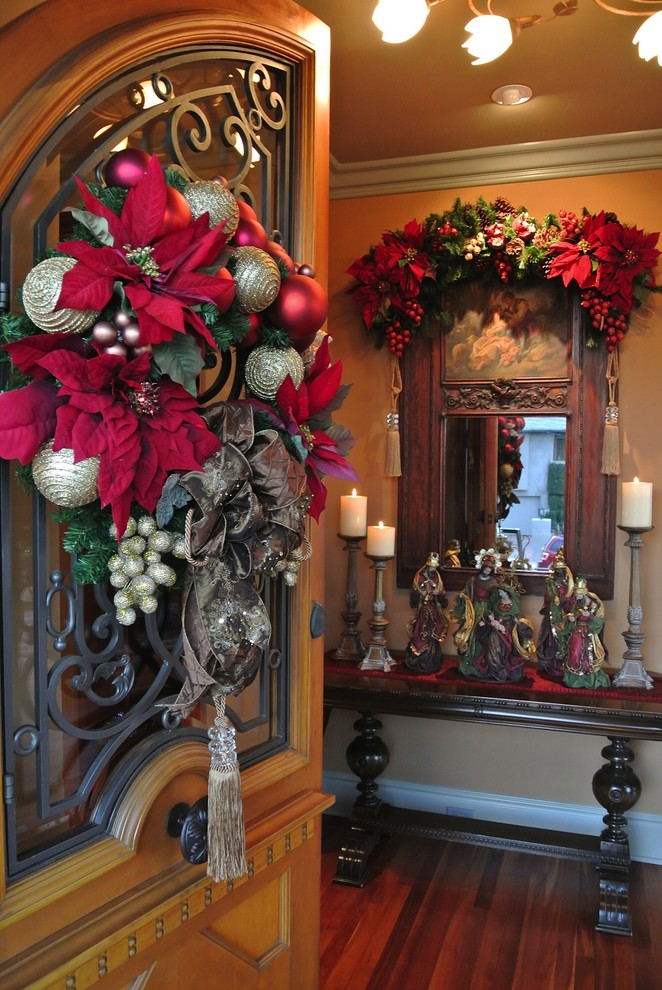Lovely Entryway Wreath Decor