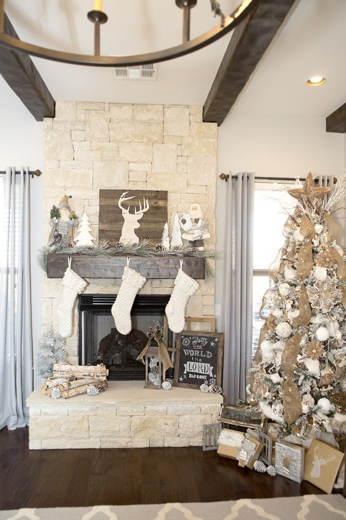 DIY Rustic Farmhouse Christmas Tree dwellingdecor