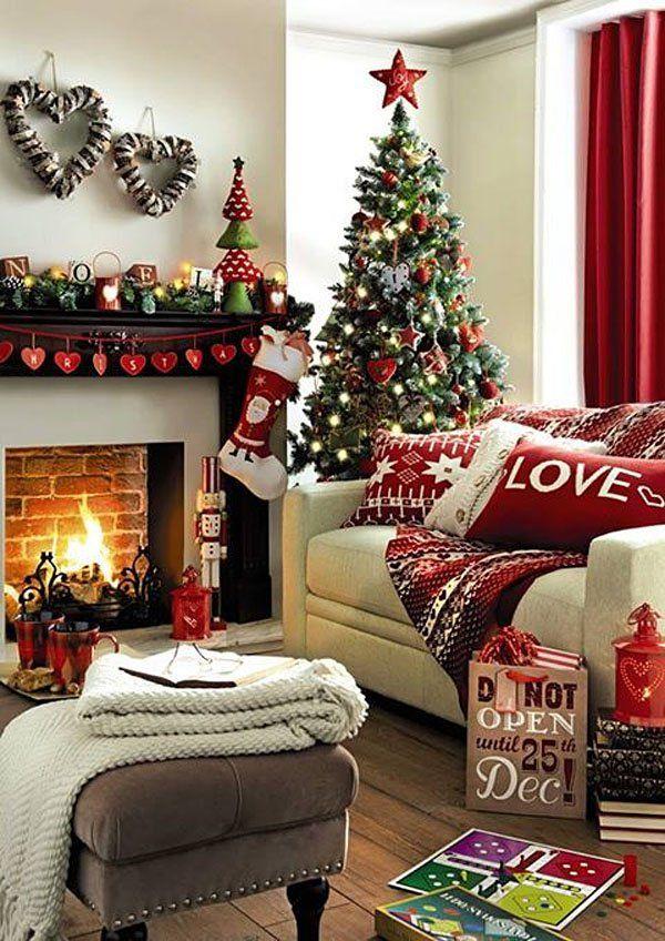 Christmas Living Room Decorations dwellingdecor (26)