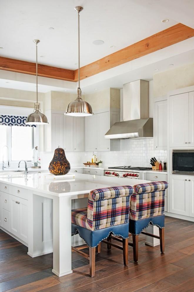 Southwest L-shaped Dark Wood Floor Kitchen