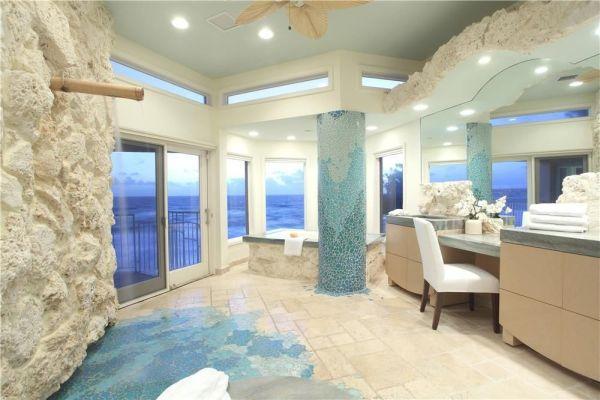 Luxury Master Bathroom Design Idea With Coral Walls and Seafoam Blue Pillar