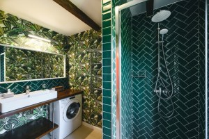 25 Ideas to Make the Most of a Small Bathroom