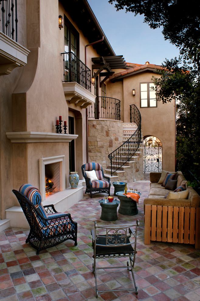 CANDLES AND LARGE CANDLES HOW TO DECORATE AN OUTDOOR STAIRCASE