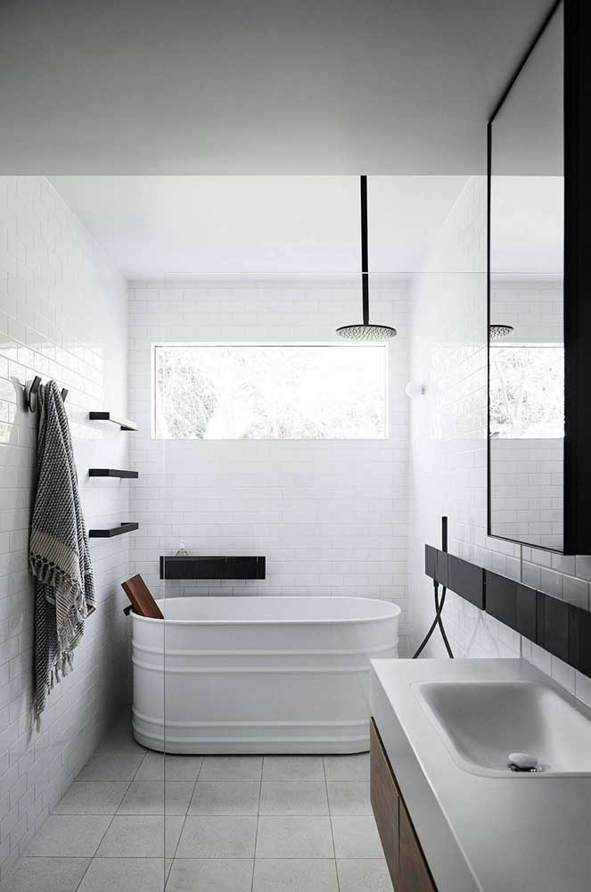 Inspiration of a small and super cool bathtub.