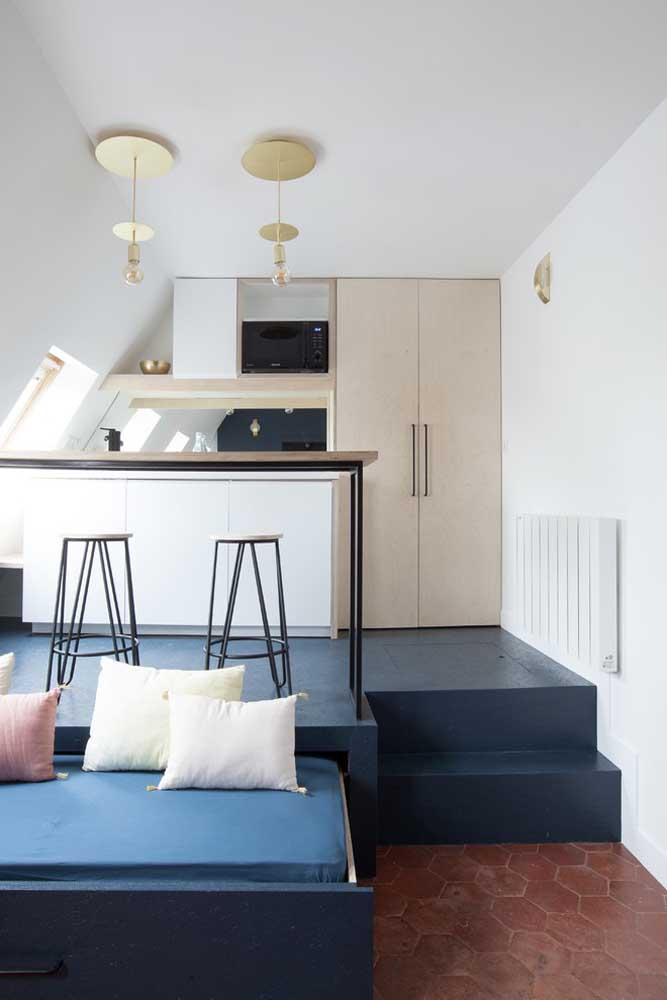 10. Small American kitchen integrated with the living room;the most popular model that exists.