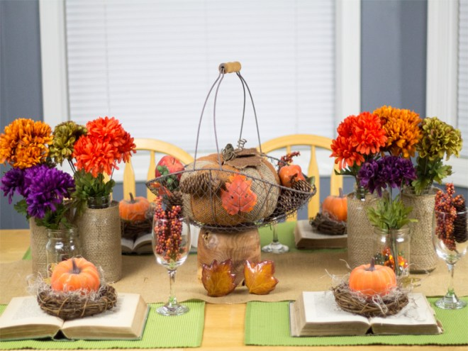 Burlap-and-Vintage-Inspired-Thanksgiving-Tablescape-3