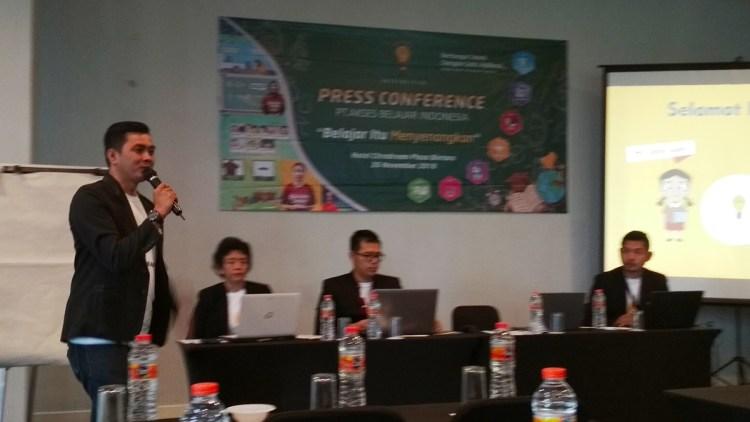 Muhammad Rosyid Hidayat dalam press conference akses belajar indonesia di citradream bintaro plaza