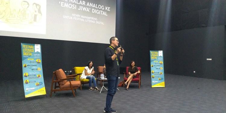 henry manampiring dalam festival literasi digital