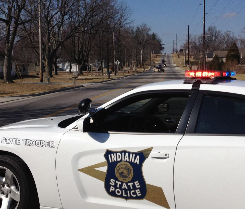 Indiana: DUI driver Johnelle Swanson Flees Rollover Crash With Infant Child