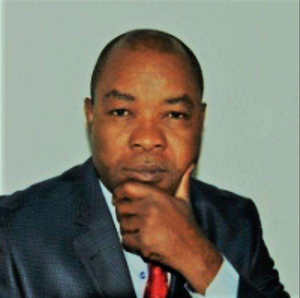 Michel-Philippe-Nze-Journaliste-Conseiller-en-communication-stratégique