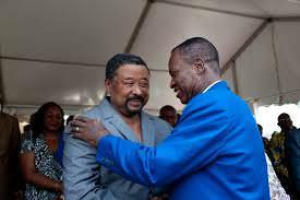 Gabon-la-recompense-de-lopposition-du-ventre-les-traitres-tel-pere-tel-fils