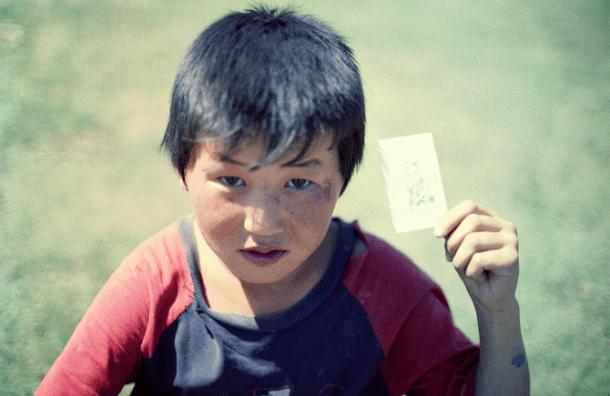Nômades da Mongólia vêem fotos de si mesmos pela primeira vez