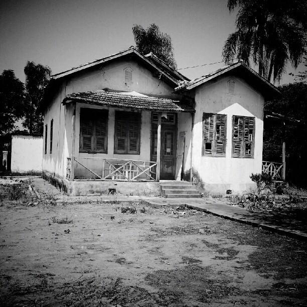 #Local Casinha antiga arrepiante na Av. Cel. Marcondes de Matos, Quiririm/SP