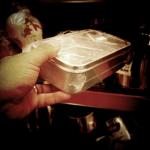 """No Supermercado, pesquisando """"quentinhas"""" pra novas pinhole #instagram"""