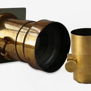 Petzval, a Sociedade Lomográfica e o relançamento de uma velha lente dourada
