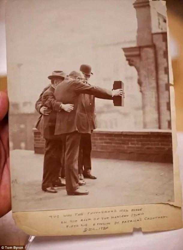 Olha a selfie ai, de novo, outro ângulo.