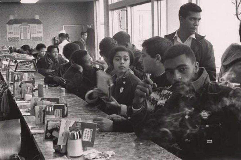 Danny Lyon, Student Nonviolent Coordinating Commitee (SNCC) Sit-In, Atlanta, 1963 © Danny Lyon / Magnum Photos.