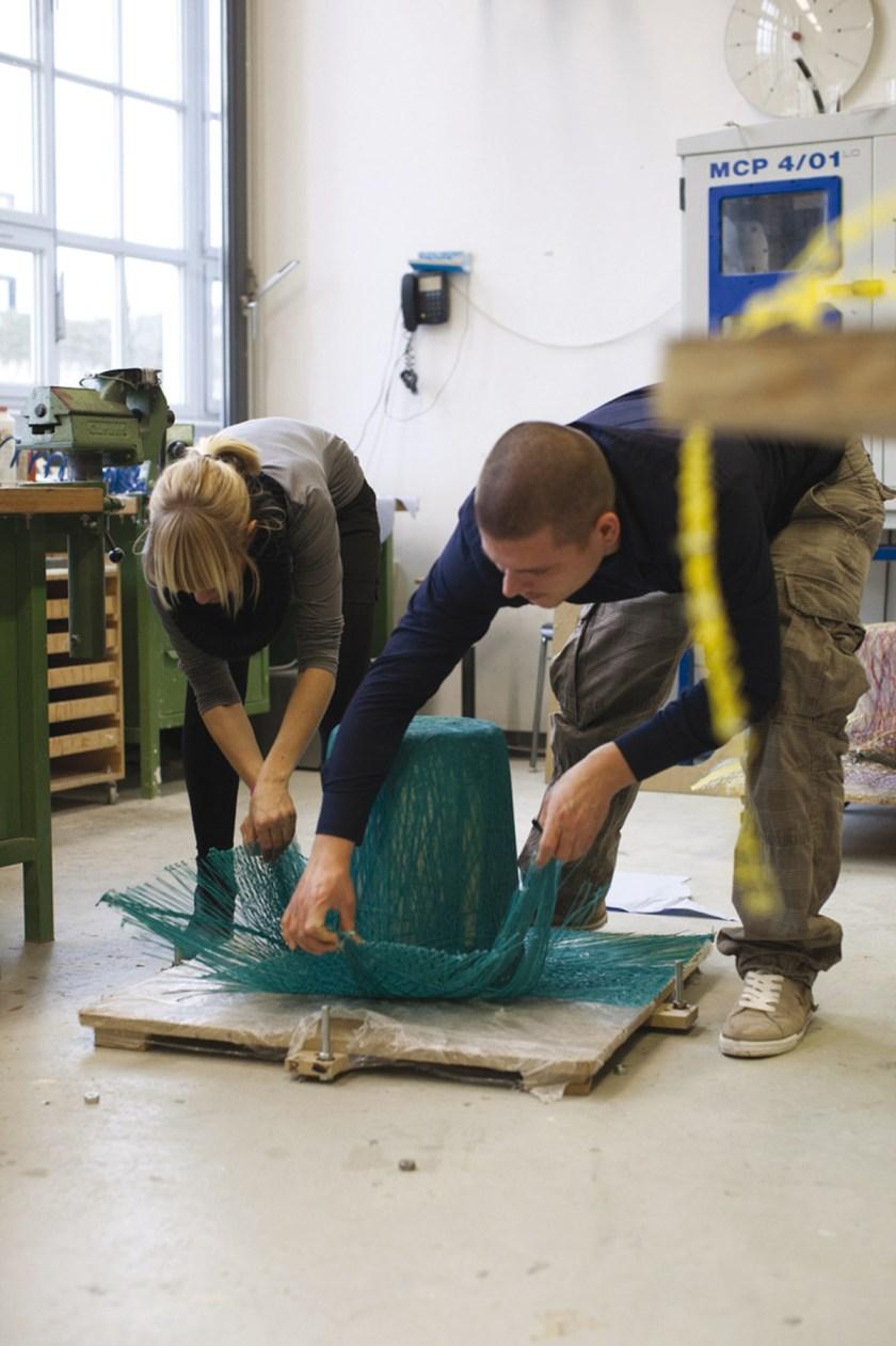 """""""MOA"""" Serie de cestas realizadas con fibras sinteticas y resina. Diseño: Eva Marguerre & Marcel Besau"""