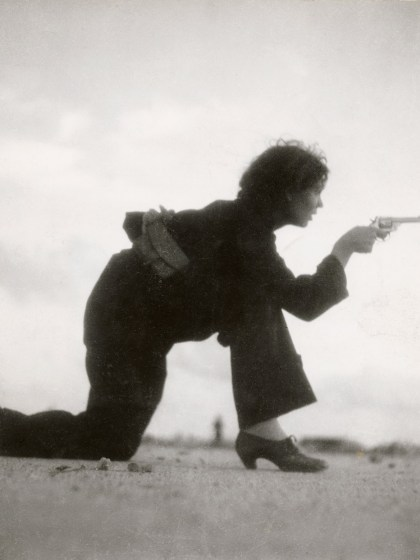 Gerda Taro, Republican militiawoman training on the beach outside Barcelona, Spain, August 1936. © International Center of Photography, New York