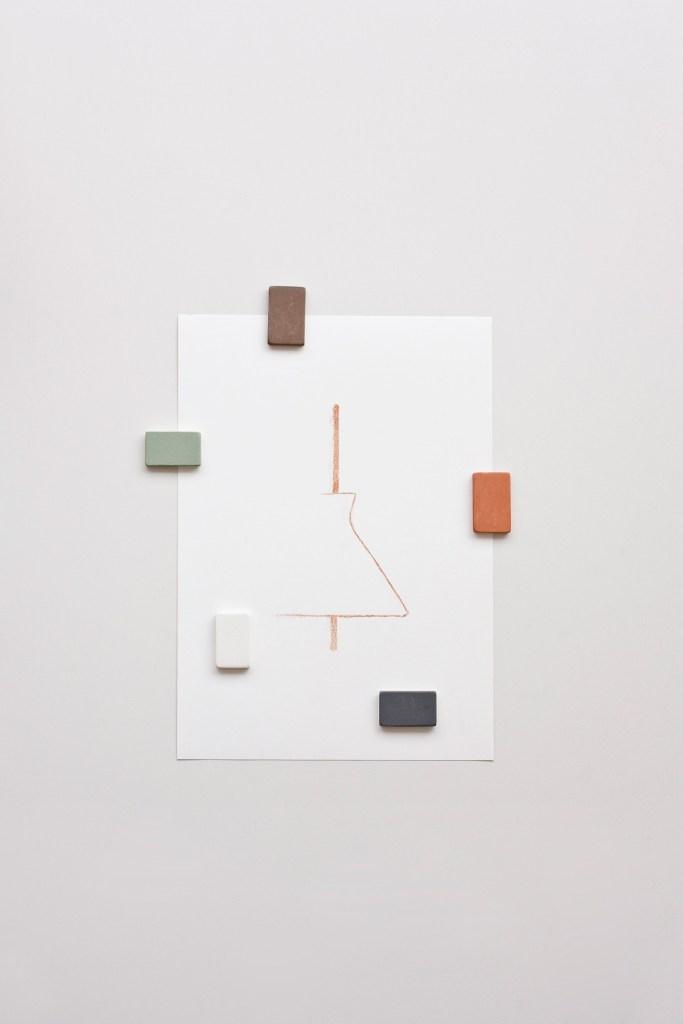isaac-pineiro-me-interesaba-la-formalizacion-los-materiales-y-el-estudio-de-la-relacion-de-los-objetos-con-las-personas-04