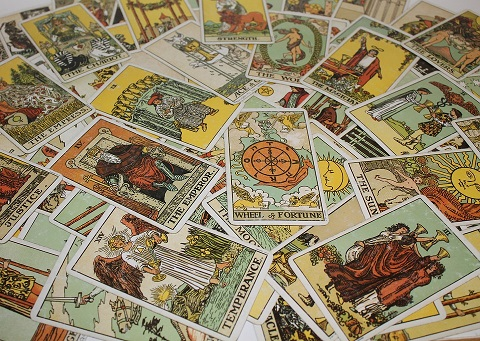 Tarot Card Perspectives – Dive Into This Interesting World