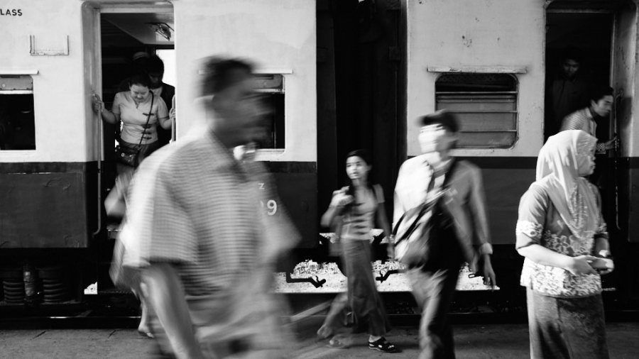 Yangon Circular Line Passengers Disembark