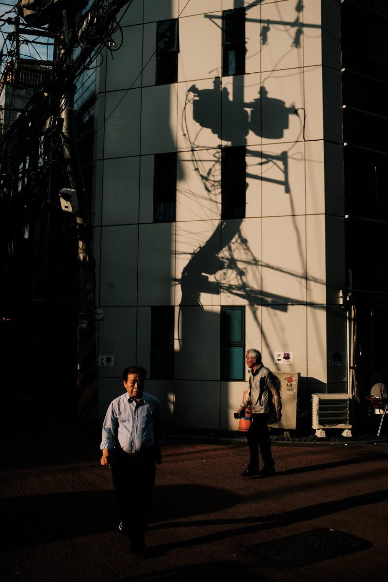 Seoul Street Photography - Jongno-3-ga Shadows
