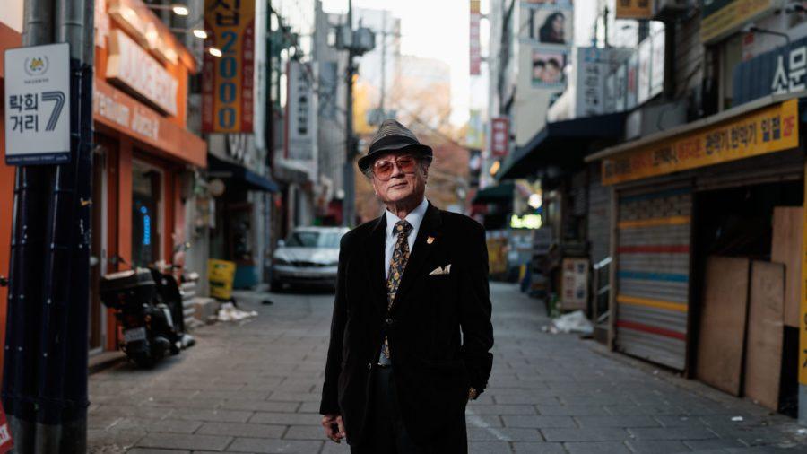 Street Portrait - XF 50mm f/2