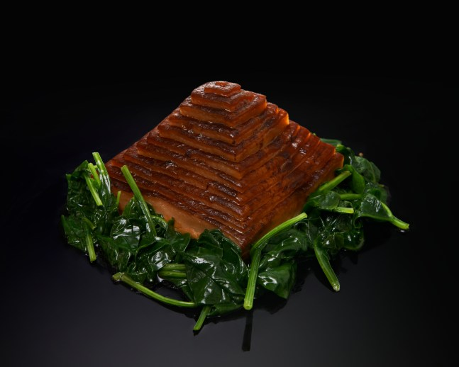 Pyramide-de-poitrine-de-porc-braisée-et-champignons-Braised-pork-belly-with-fungus