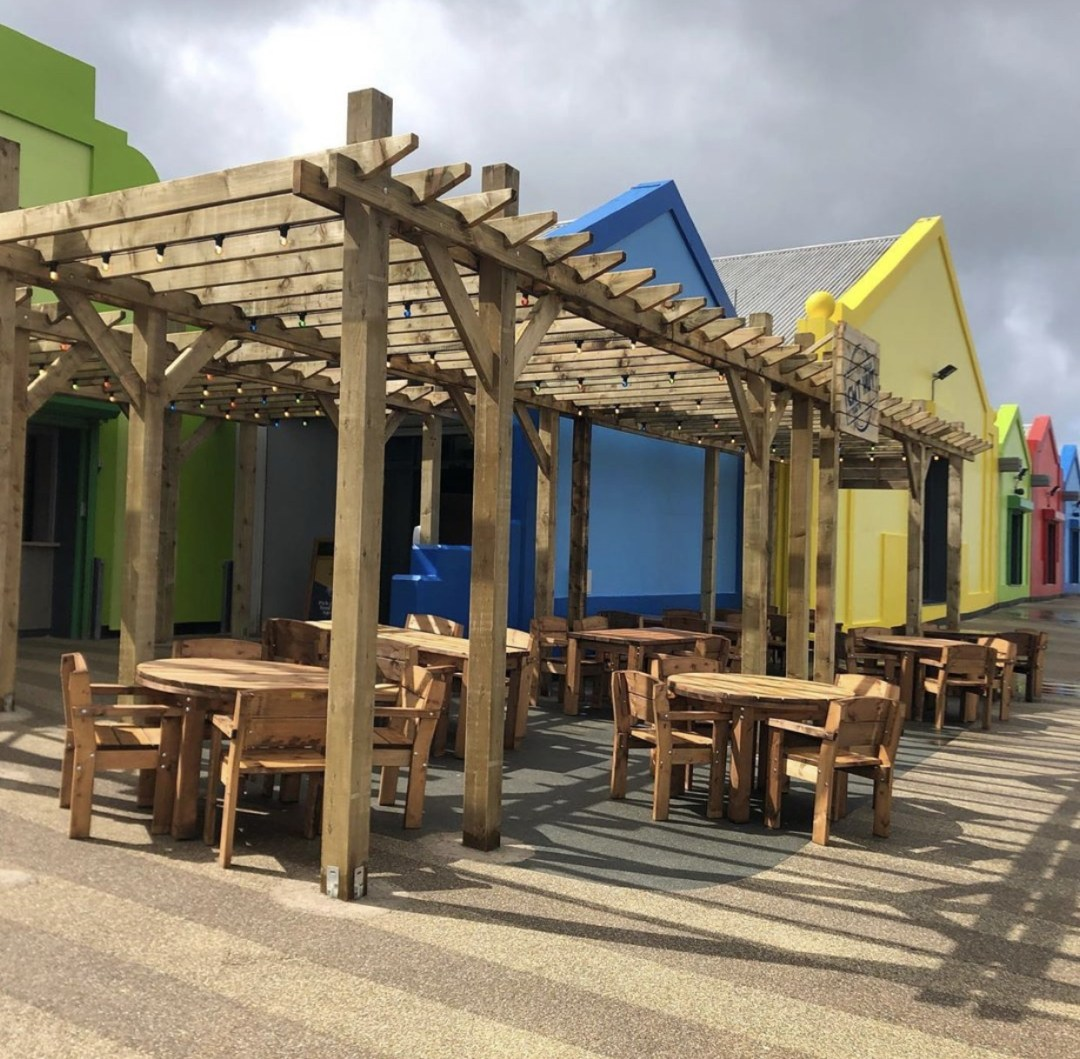 Beach Hut Cafe, Dynamic Contract furniture, restaurant furniture, outdoor furniture, hotel furniture, picnic benches, picnic tables