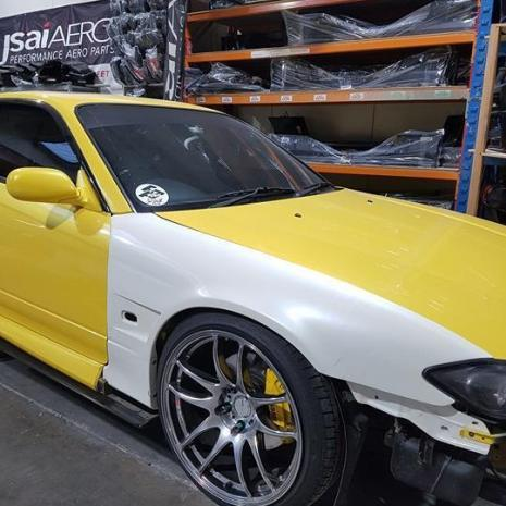 nissan-s15-2oosx-silvia-20mm-vented-and-flared-front-fenders-3-1