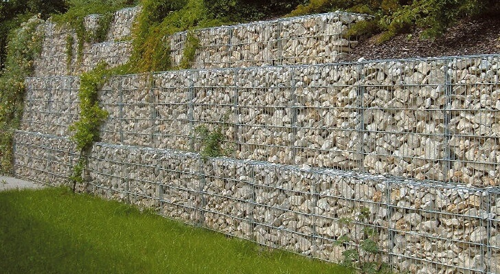 Solution technique pour soutenir un talus  le gabion
