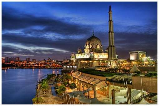 Most-Magnificent-Mosques-in-the-World-18
