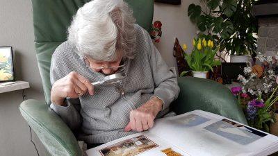 Pflegen mit Wissen Dialogzentrum Leben im Alter