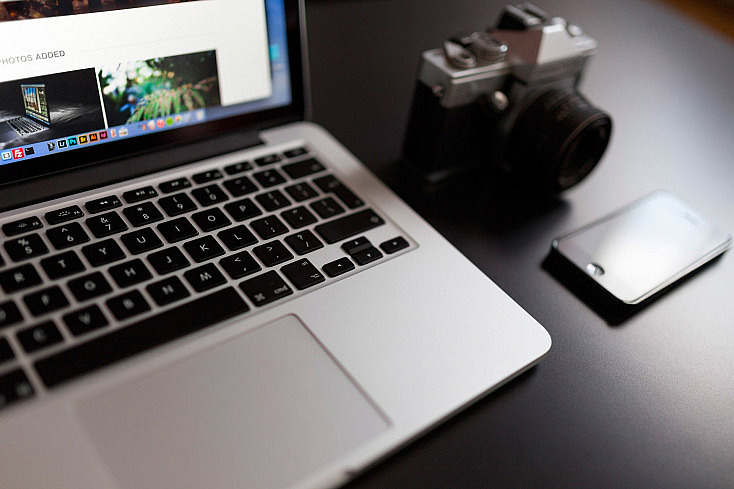 macbook-923638_1920