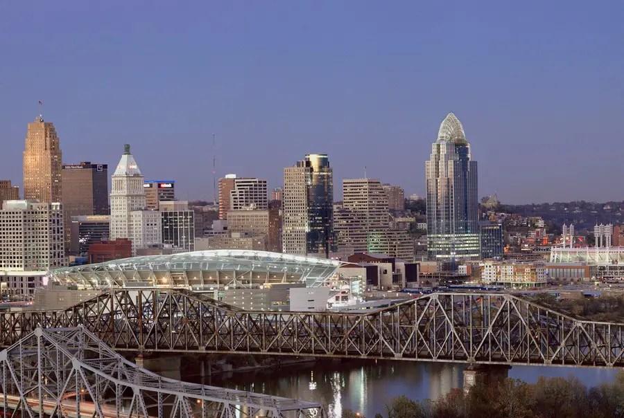 Queen City Square Great American Building Cincinnati