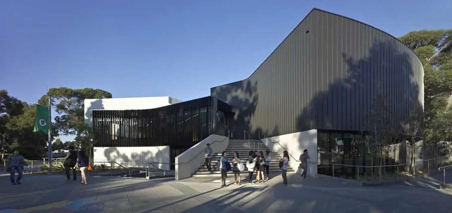 Deakin University Building - Melbourne Lecture Theatre - e-architect
