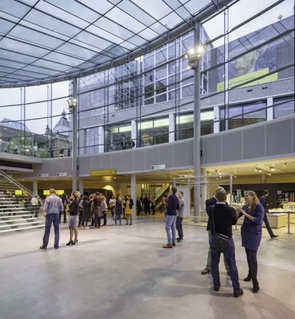 Van Gogh Museum Entrance Hall - -architect