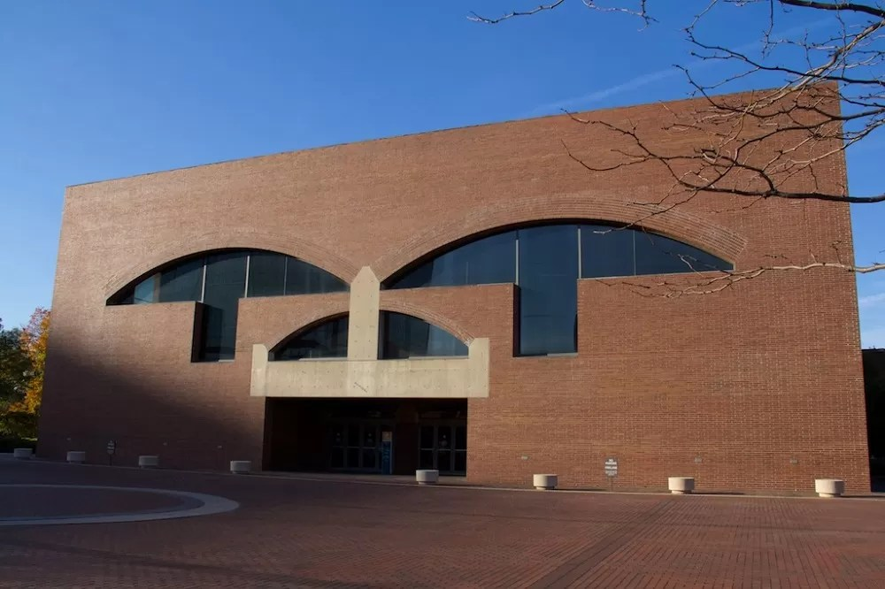 Louis Kahn Building in Fort Wayne Arts United  earchitect