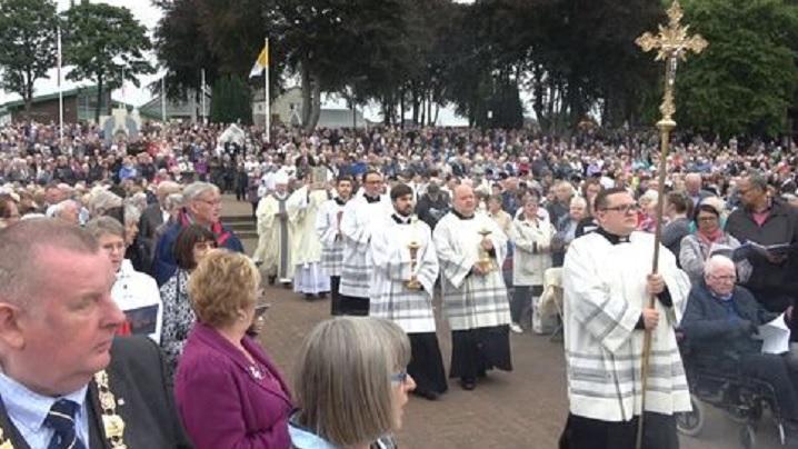 Franța. Peste patru mii de adulți vor primi botezul în noaptea de Paști