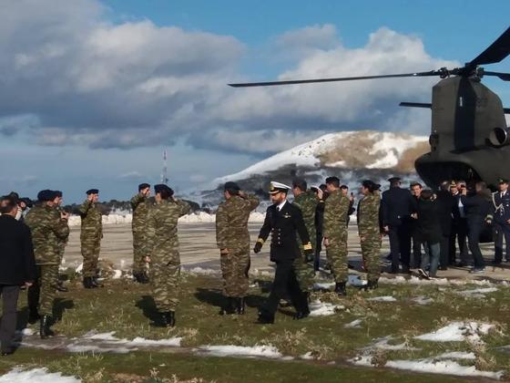 Στιγμιότυπο από την άφιξη του πρωθυπουργού στη Σαμοθράκη.
