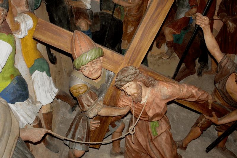 Fig. 7 Esculturas ubicadas en una de las capillas del Sacro Monte de Cerveno (obra del escultor Beniamino Simoni, XVIII)